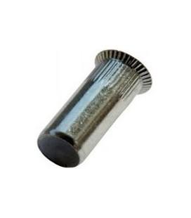 Заклепка M4*17,5 мм из стали с внутренней резьбой, потайной бортик, закрытая, с насечкой